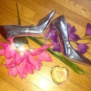 Metallic Silver Pointed Toe Pump Heels